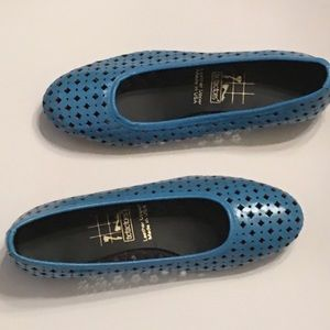 Blue Leather Flat Slip On Almond Toe USA Wide New